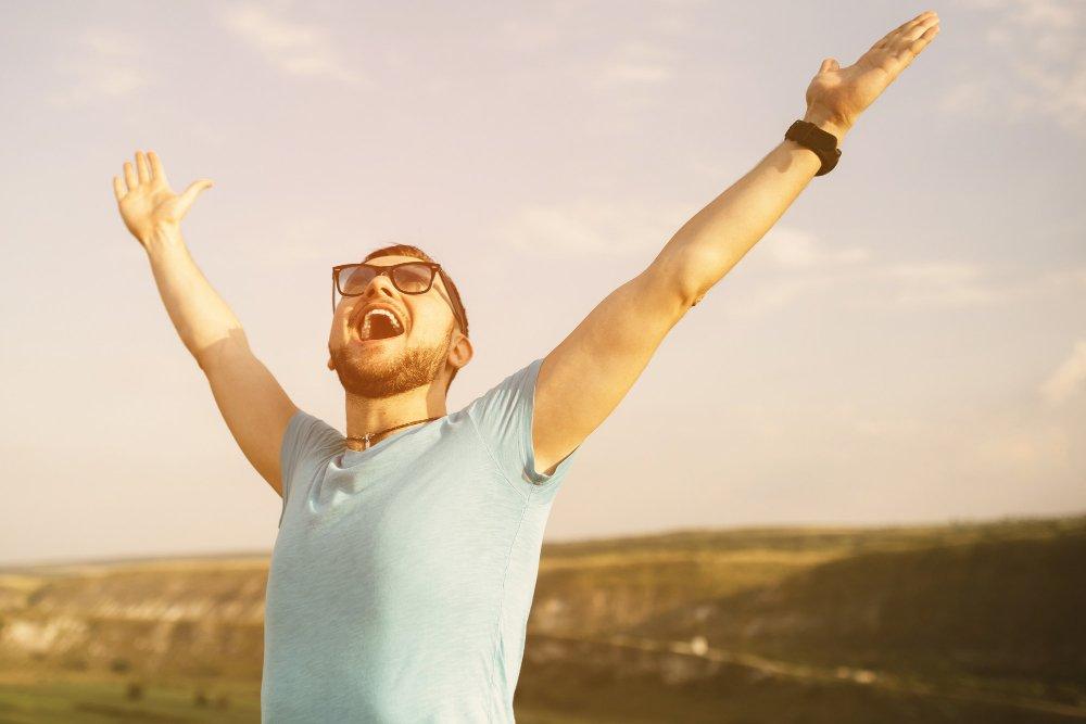 hombre-libre-y-feliz.jpg